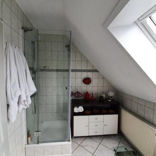Bad alt Dusche