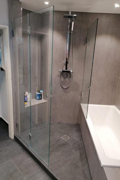 Badezimmer neu - Dusche und Wanne