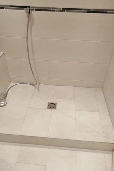 Kundenbeispiel Badezimmer neu Duschbereich