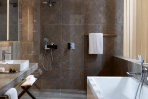 Modernes Badezimmer in Hamburg