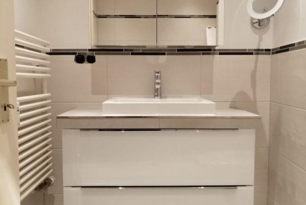 Kundenbeispiel Badezimmer neu Waschtisch