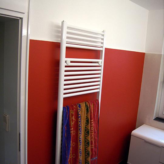 badgestaltung-wand-rot-st-pauli