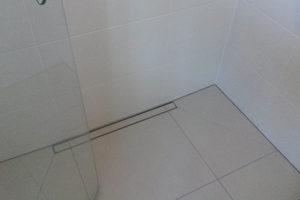 geflieste bodengleiche Dusche