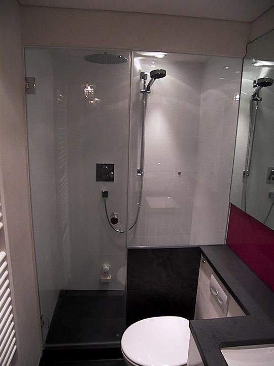 Dampfbad mit Duschabtrennung