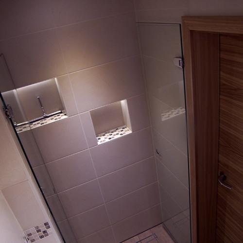 Duschabtrennung in ebenerdiger Dusche in Kleiner Grasbrook