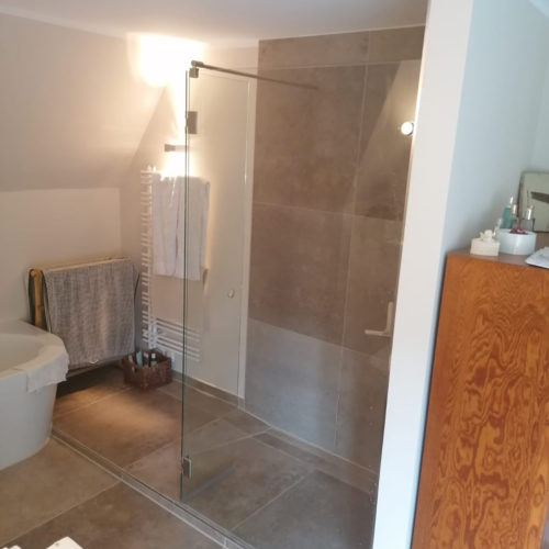 Duschbereich mit Glasabtrennung