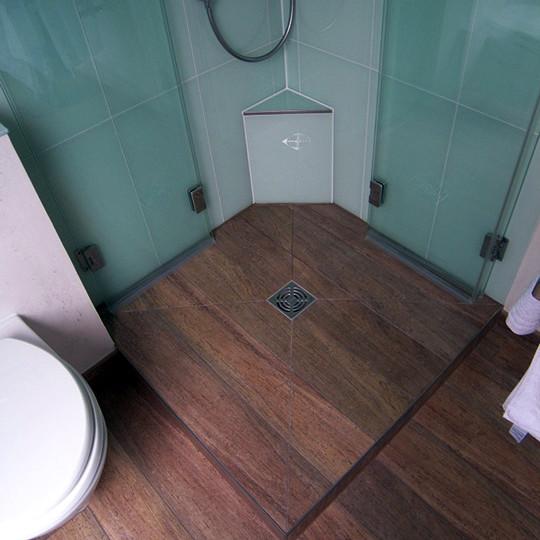 Behaglichkeit im dachgeschoss bad 049 b der dunkelmann for Modernes kleines bad mit dusche
