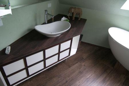 Farben Badstil Stauraum Holzboden
