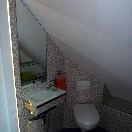 gaste-wc-planen-im-dachgeschoss