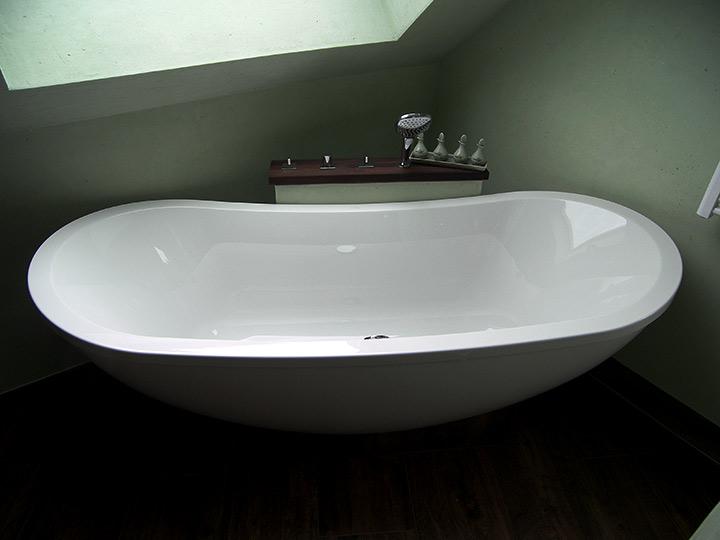 neue badewanne einbauen kosten das beste aus wohndesign. Black Bedroom Furniture Sets. Home Design Ideas