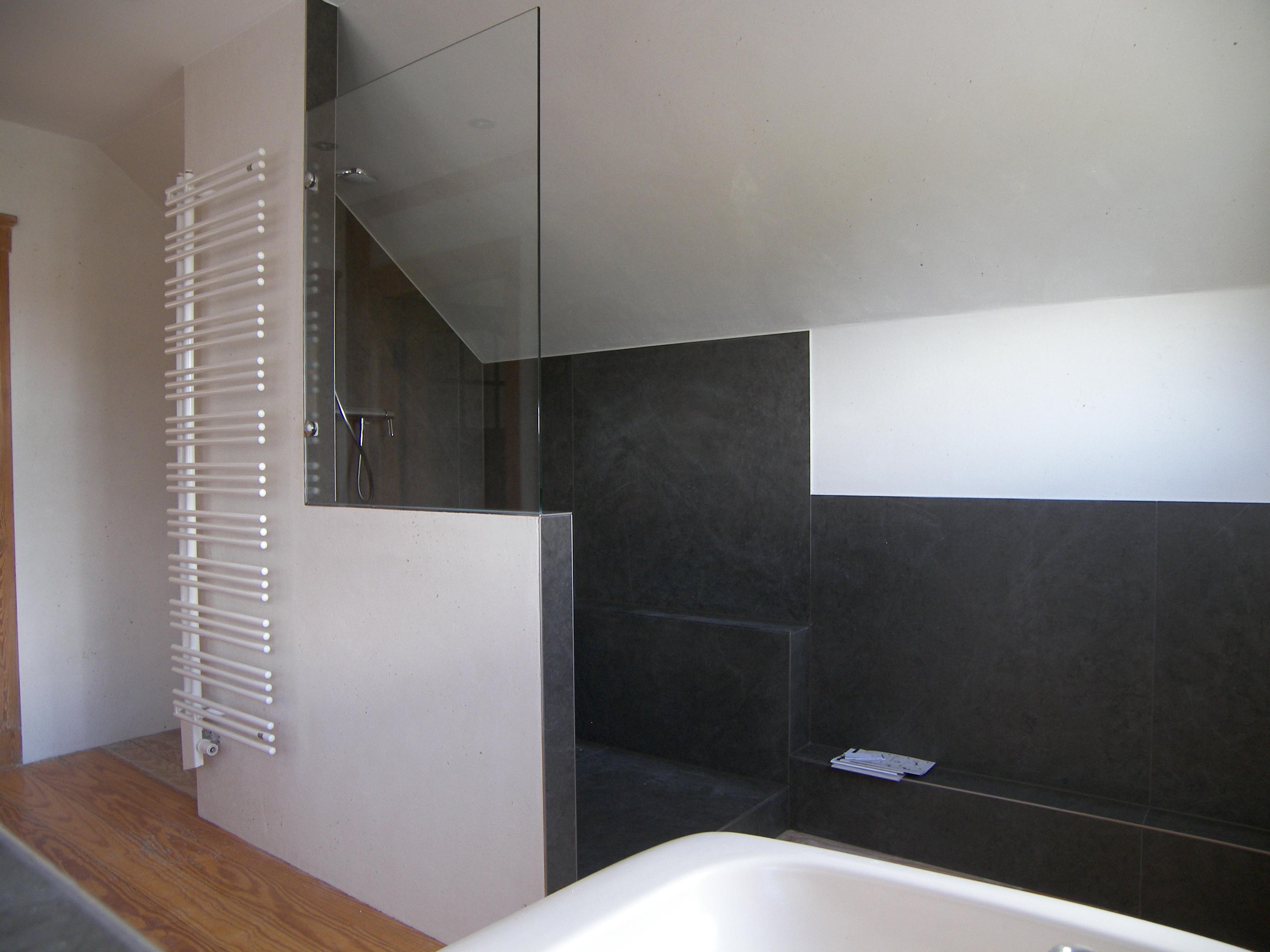 Duschbereich mit Kerlite Fliesen