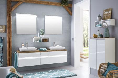 Kleines Badezimmer zwei Waschtische