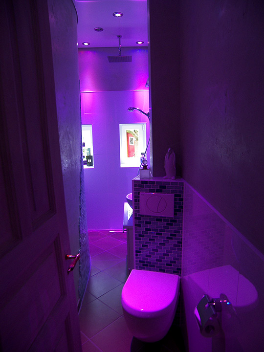 Begehbare Dusche Spritzwasser : Begehbare Dusche im MiniSchlauchbad  Bäder Dunkelmann