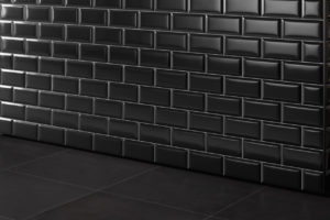 Metro Fliesen schwarz