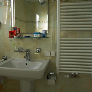 Waschbecken im Minivollbad