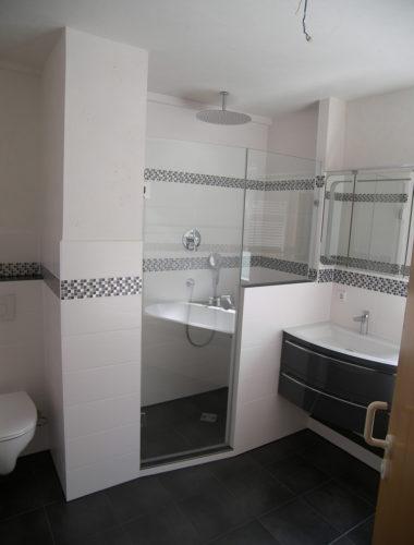 Moderner Badstil Farben Badezimmer