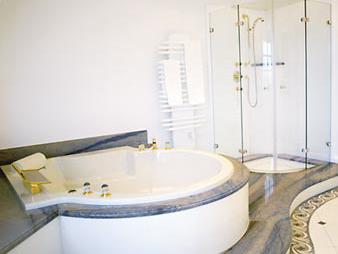 Natursteinbad Badewanne Dusche