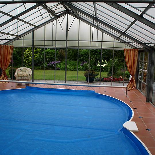 schwimmbecken im wintergarten bad 008 b der dunkelmann. Black Bedroom Furniture Sets. Home Design Ideas