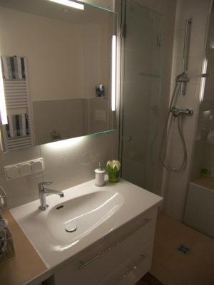 Spiegelbeleuchtung Minibad