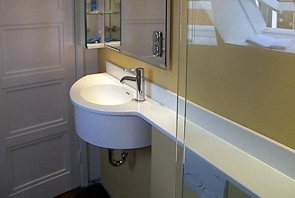 t-badkacheln-luebeck-waschbecken
