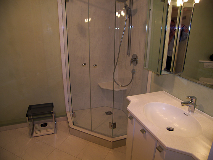 dusche verputzen statt fliesen ein moderner baustoff mit vielen vorteilen dusche streichen. Black Bedroom Furniture Sets. Home Design Ideas