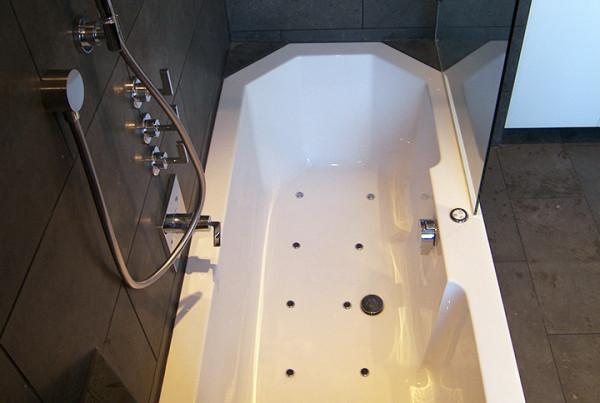 wellness badezimmer in hamburg b der dunkelmann. Black Bedroom Furniture Sets. Home Design Ideas