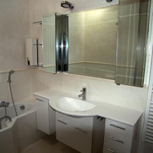 weisser-waschbeckenschrank