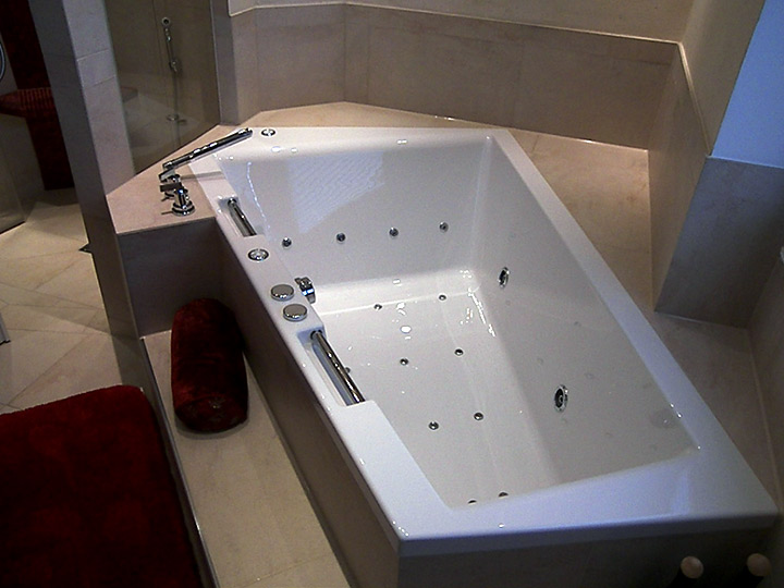 whirlpools in hamburg b der dunkelmann. Black Bedroom Furniture Sets. Home Design Ideas